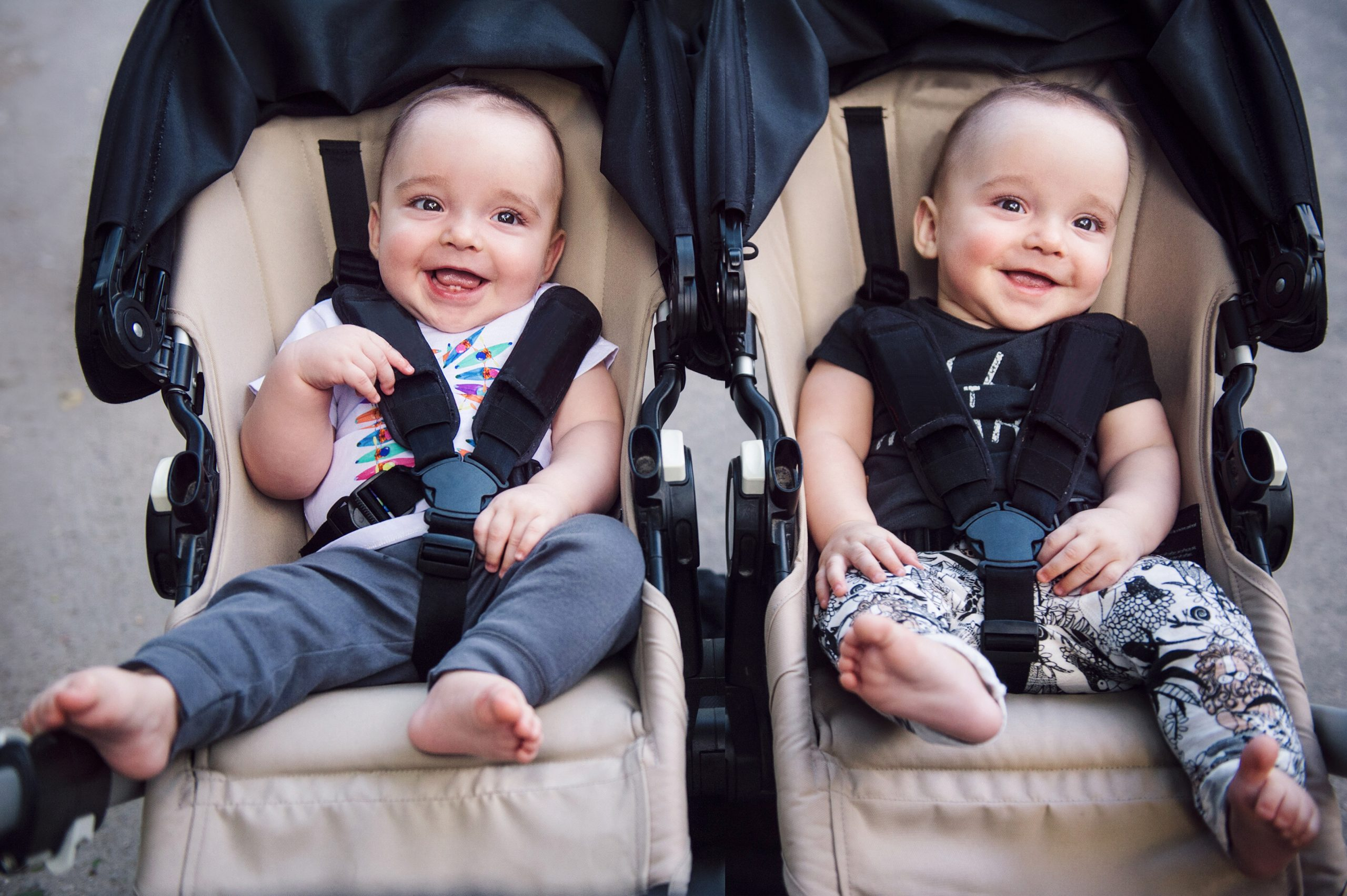 8 лучших колясок для двойни в 2021 году