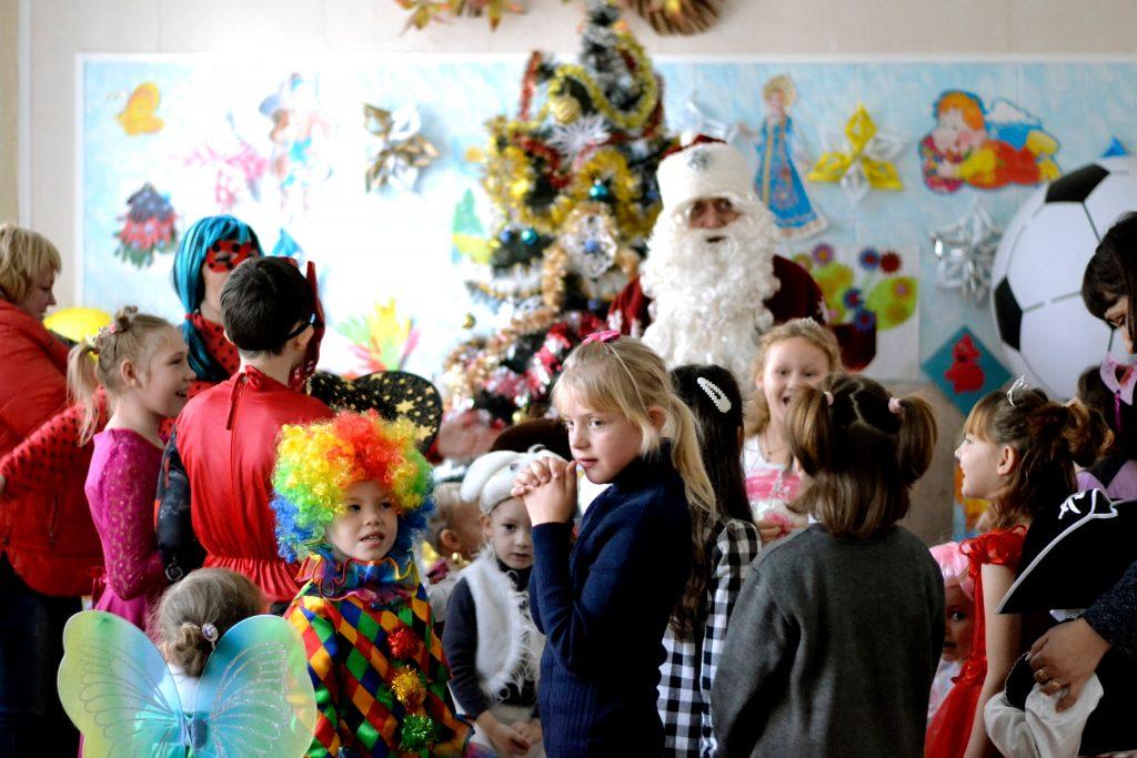 Игры с Дедом Морозом в детском саду