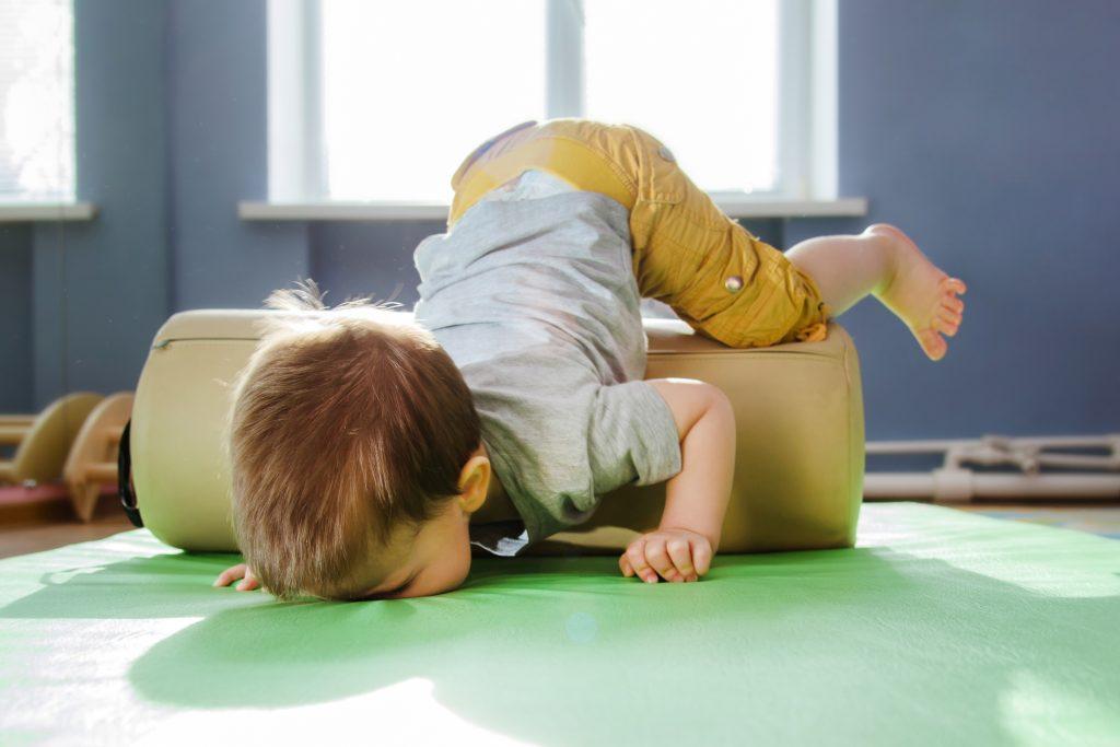 Причины появления шишки на голове у детей
